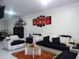 Hermosa casa ubicada en zona segura y de alta plusvalía en la ciudad de Latacunga