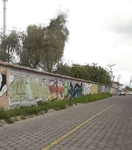 Venta de 2.800 m2 de terreno en Tumbaco sector Villa Vega