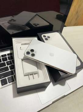 iPhone 11 pro max 64gb blanco