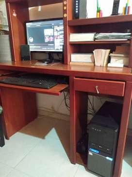 se vende computador de mesa completo