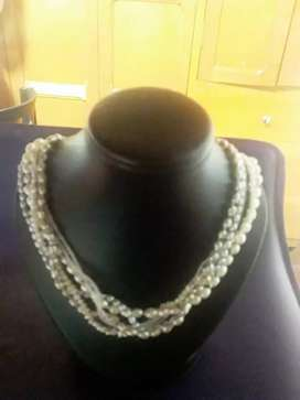 Hermoso collar en perlas de cultivo