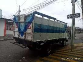 Se vende camión Daihatsu. Recién pintado, tapizado los asientos.