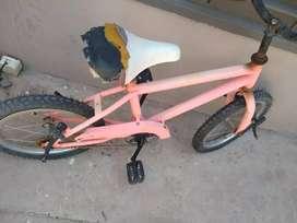 bicicleta de niño con detalles