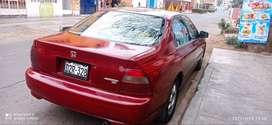 Auto honda Accord del 95 color guinda precio 9500 soles