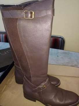 Vendo botas y borcegos mujer poco uso