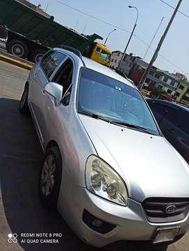 Vendo Kia Carens 2008 mod. 2009
