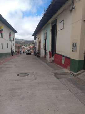 Se arriendo local comercial Plaza de Bolivar Tunja