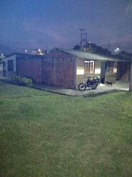 Se vende casa esquinera con plancha para ampliar o se cambia por finca