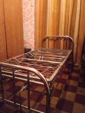 Vendo cama ortopedica cromada reforzada