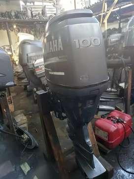 Se vende motor fuera borda 1 0 0