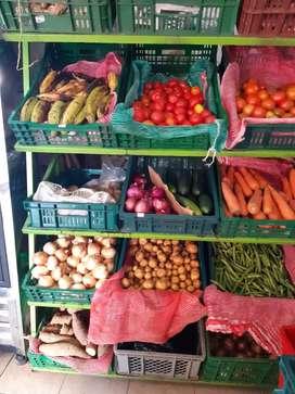 Se vende legumbreria fruver