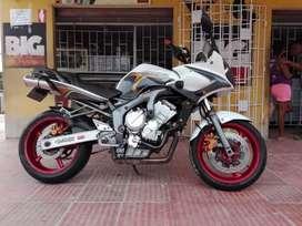 YAMAHA FAZER 600 CC. 2008