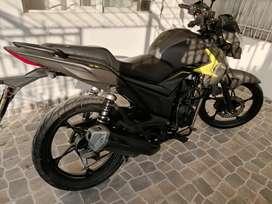 Moto CR 4 akt
