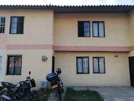 Se vende casa en guacari, frente  la doble calzada la panamericana.