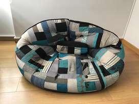 Puff se convierte en colchón tapizado con retazos