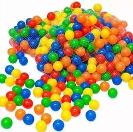 Usado, Bolas de colores para piscina segunda mano  Nueva Granada
