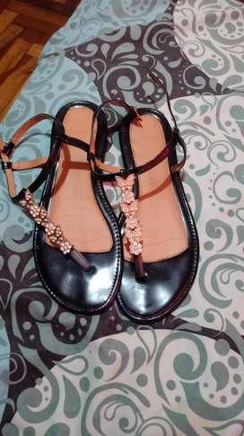 Zapatillas talla 37 escribir al wuasap