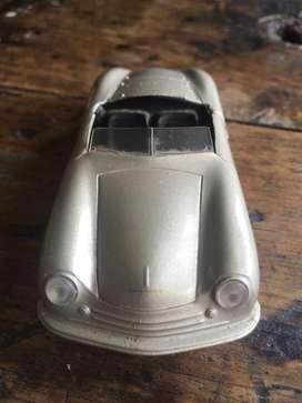 Carro de coleccion porsche 1948