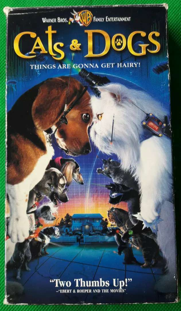 CATS AND DOGS VHS