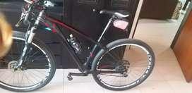 Se vende bicicleta  en carbono gw schark