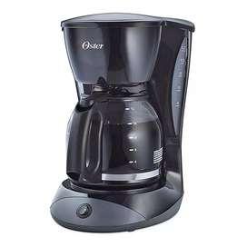 Cafetera Oster 12 Tazas Luz Indicadora + Filtro