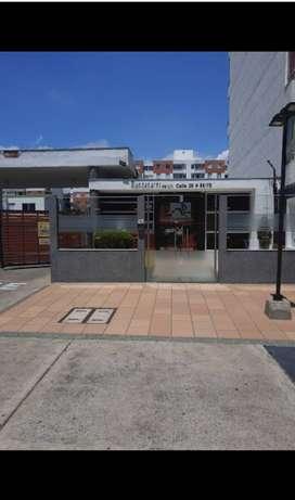 Apartamento en valle del lili, sala- comedor, cocina, Star de television, dos cuartos, cuarto ppal con baño, baño social