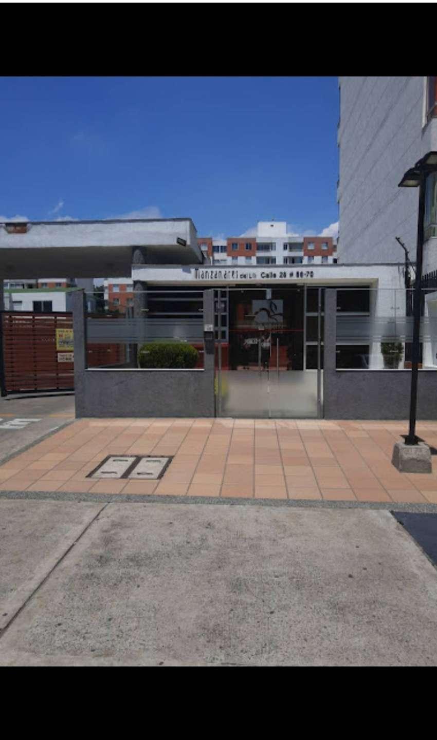 Apartamento en valle del lili, sala- comedor, cocina, Star de television, dos cuartos, cuarto ppal con baño, baño social 0