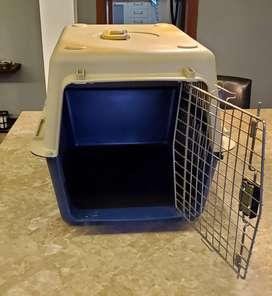 Kennel plástico para perros medianos