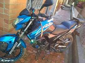 Se vende Moto AKT 180