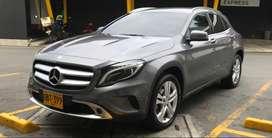 Mercedes Benz  GLA 200 Gris 2015 Excelente estado