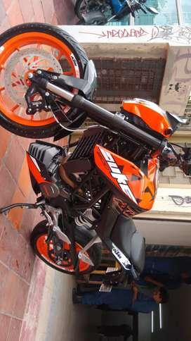 Vendo o permuto KTM 200 nueva 5mil km