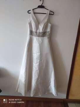 Vestido de novia en V, Nuevo