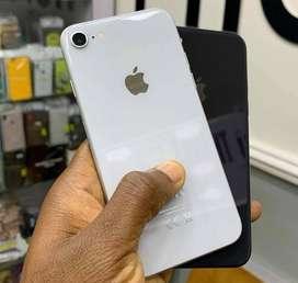 Iphone 8 64 GB en caja