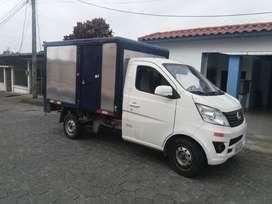 Servicio de Alquiler de vehículo de transporte de mercadería con chofer.