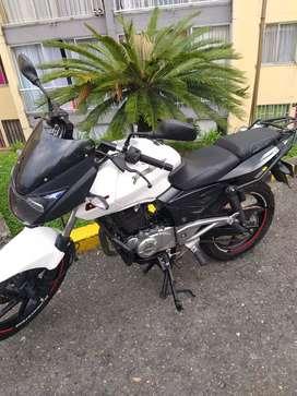 Busco trabajo como domicilio con moto