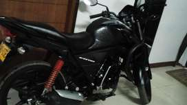 Vendo Moto 9000 Km