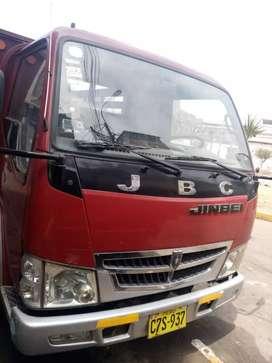 Camioneta de 2 tonelada JBC con carrocería