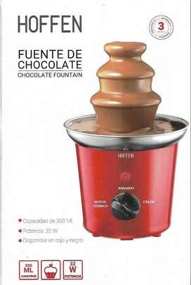 fuente de chocolate, esta en buen estado, tiene 7 meses y poco uso, la marca es HOFFEN