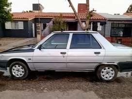 Vendo Renault 9 en muy buen estado solo detalles de chapa itv al día escucho oferta de contado  .