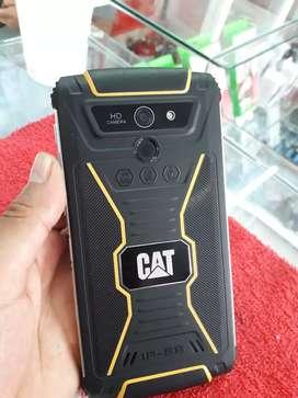 Celular CAT Gometel-250