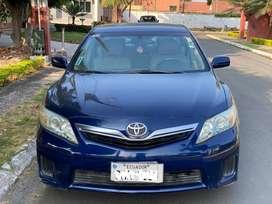 Flamante Toyota Camry Hibrido