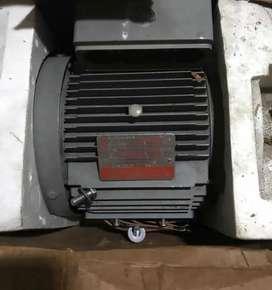 Motor trifasico General Electric