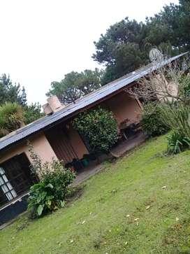 Casa  gran oportunidad, Vendo o permuto por igual valor 2 casas en gloria de la peregrina, por casa zona Luro y 180