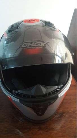 se vende casco marca SHOX y chaqueta marca SUPREME RACING