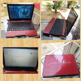 Exelente mini portátil Acer