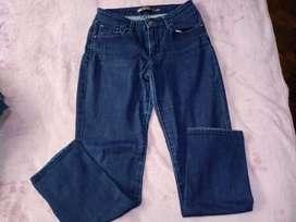 Pantalon/calza jeans LEVIS femenina 4/27