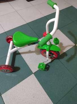 Triciclo usado Mickey