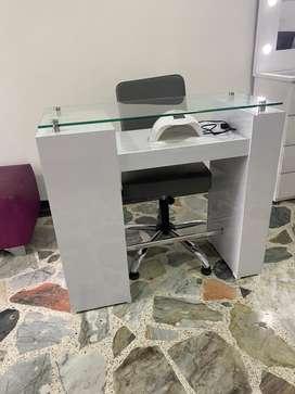 Venta de mueble para uñas (Esmaltero)
