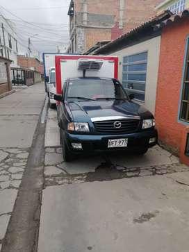 Camioneta mazda b2200 con furgon y termoking