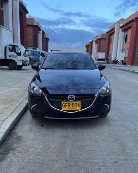 Mazda 2 touring - Modelo 2020
